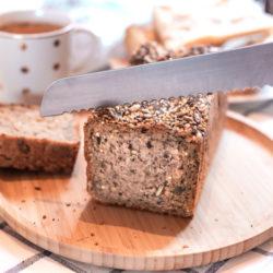 Découpe d'un pain norvégien
